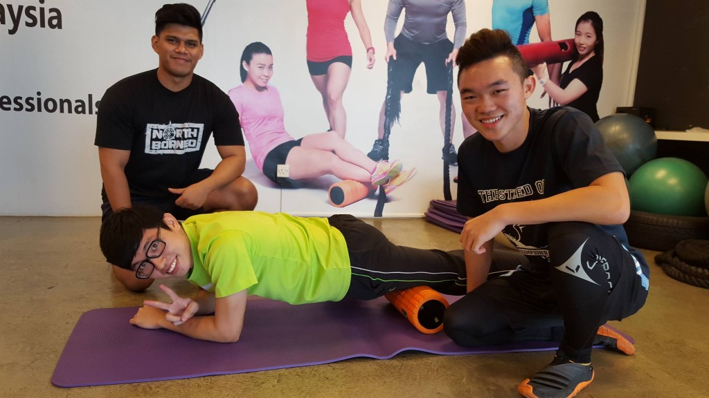 Calvin, Teddy & Jess – Nutritionists cum Personal Trainers!
